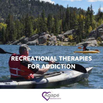 men on kayaks during recreational therapy for addiction